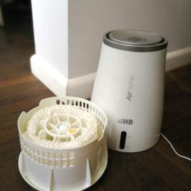 Nawilżacz powietrza ze zbiornikiem i filtrem