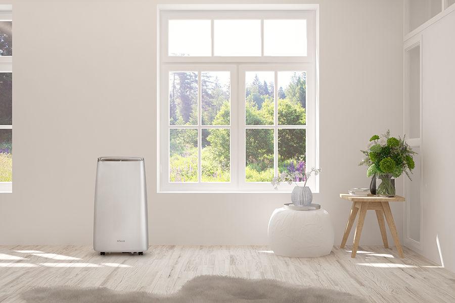 Klimatyzator przenośny Fersk Vind WiFi Silver w pokoju