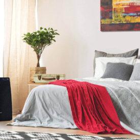 Oczyszczacz powietrza Sharp UA-HG30E-B w sypialni